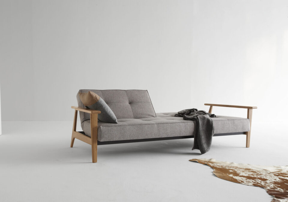 ISTYLE_2015_-_SPLITBACK_SOFA_BED_WITH_FREJ_ARMRESTS_LACQURED_OAK_-_521_MIXED_DANCE_GREY_-_DAYBED_POSITION