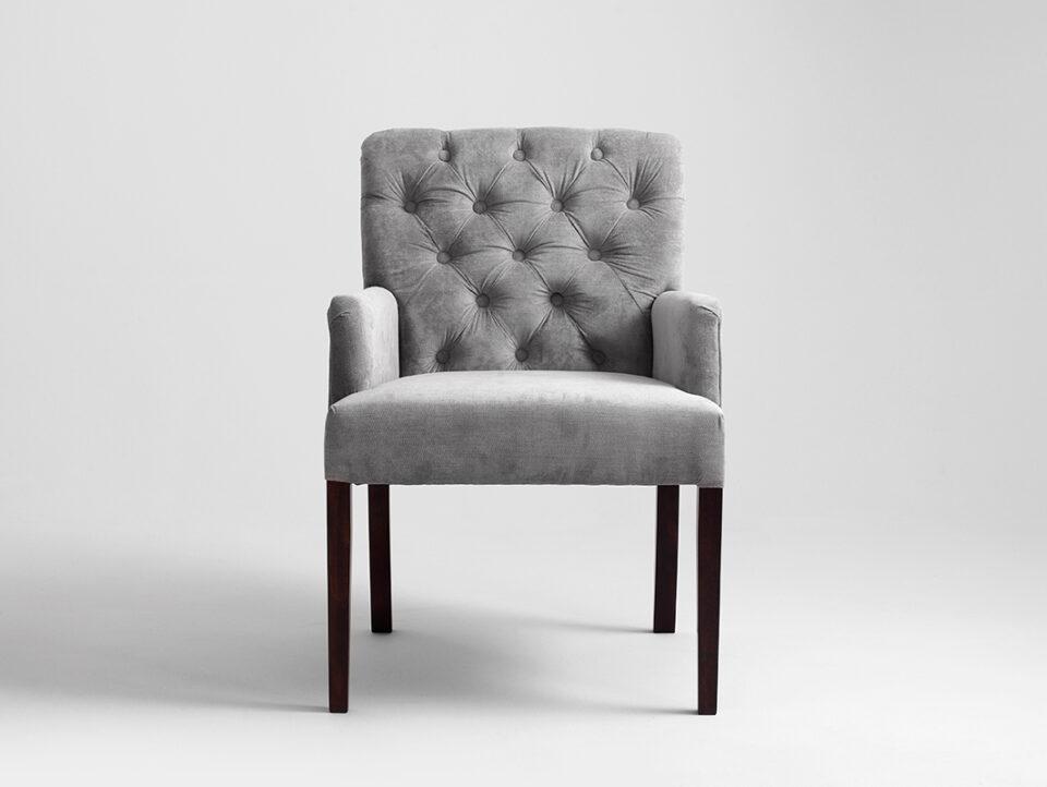001-fotel-roger-szare-niebo-orzech-ac022roger-mt1430